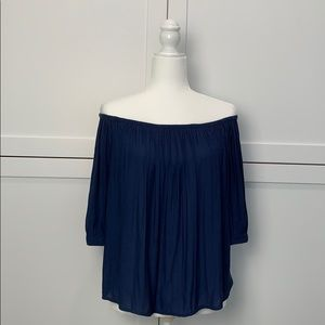 GAP Off Shoulder Lightweight Shirt